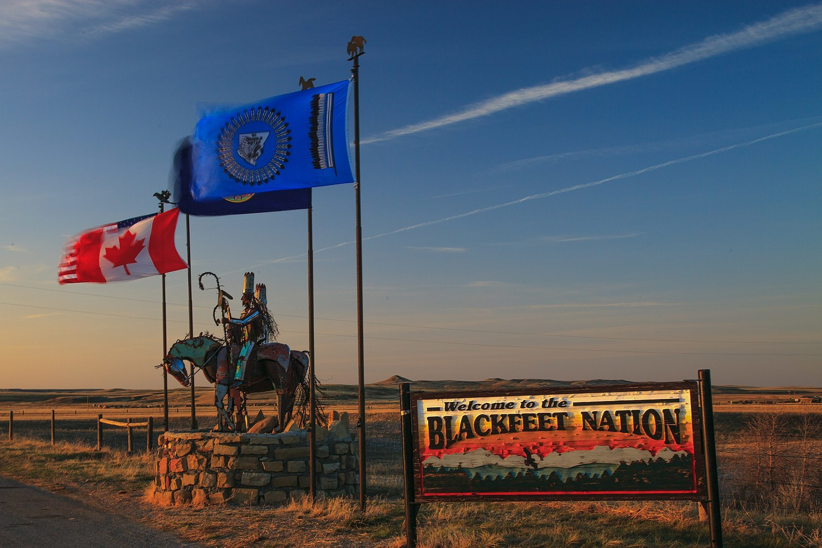 1599px-Blackfeet_Indian_sign_(15987533967).jpg